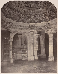 The Bhulavani - Interior of one of the rooms [Satrunjaya]